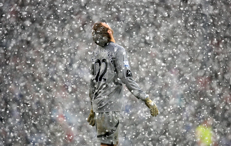 Футбол в снег